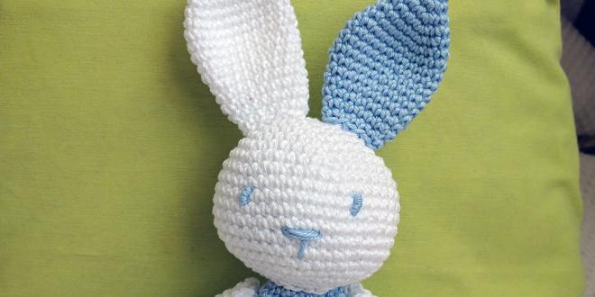 Conejo de crochet Nico | CrochetyAmigurumis.com