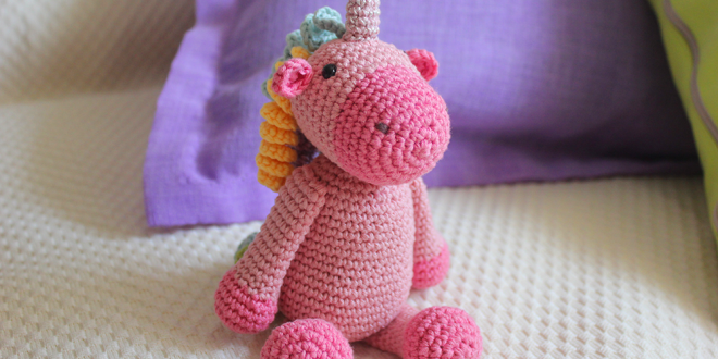 Patrón amigurumi unicornio | CrochetyAmigurumis.com