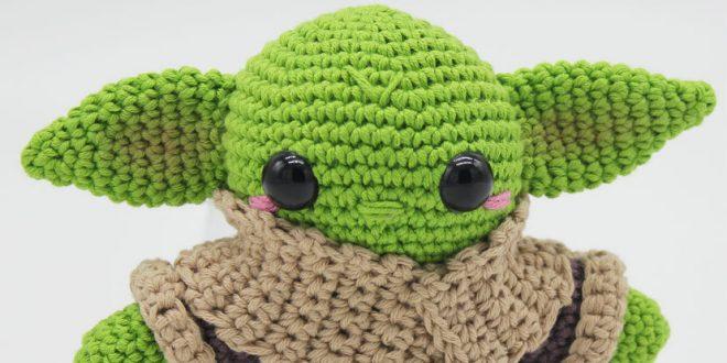Baby Yoda Inspired Amigurumi Pattern en 2020   Crochet amigurumi ...   330x660